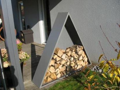 Bild von dřevník moderní zahrada design přístřešek trojúhelník modern koš krbový regál krbové dřevo